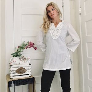 """""""Charlie Paige"""" White Tunic Top With Lace"""